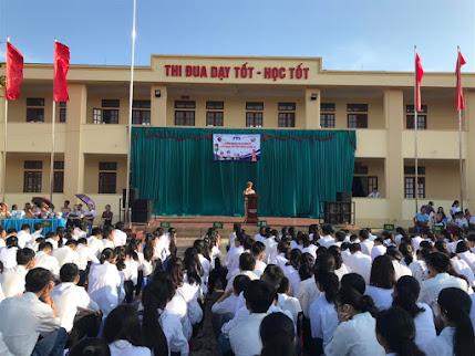 Toàn cảnh buổi tuyên truyền Luật GTĐB  tại Trường THPT Nguyễn Xuân Ôn