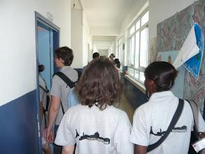 Photo: Visite de l'école par l'équipe d'animateurs