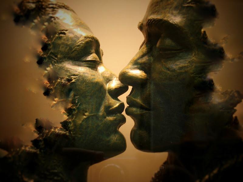 Nella delicatezza di un bacio possiamo dissolverci di naboo77