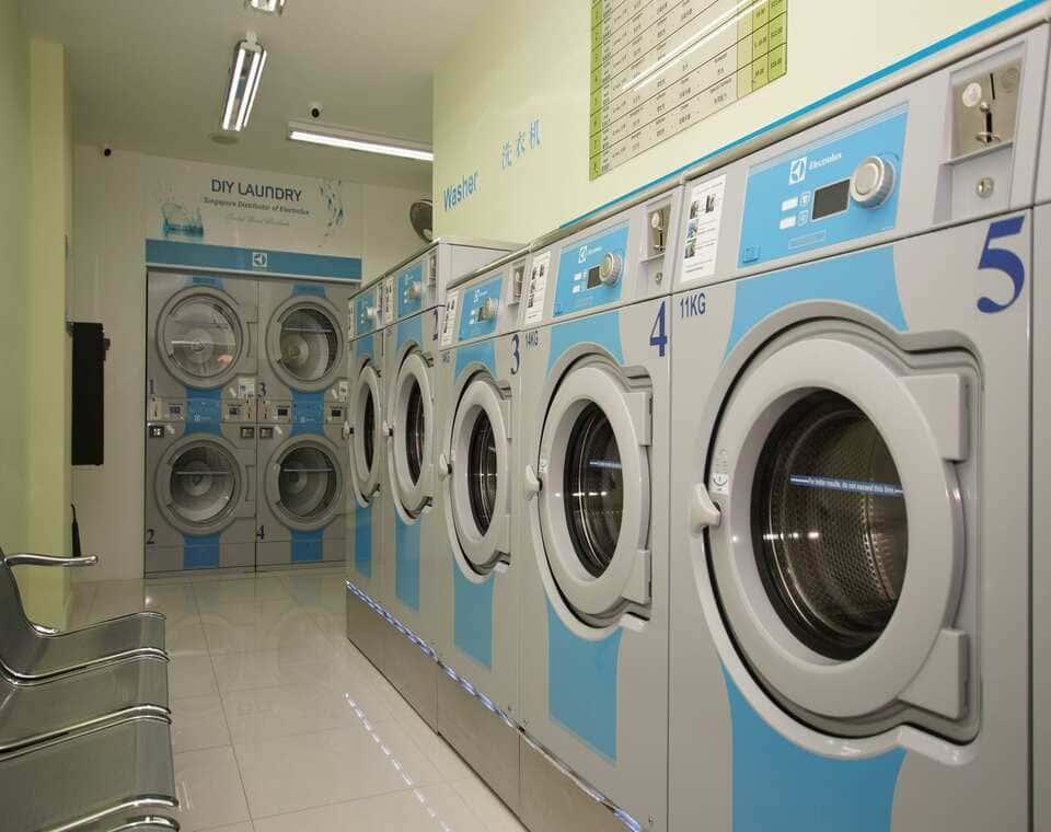 Xưởng giặt là công nghiệp cần những máy móc gì - Giatlathuhuong.com