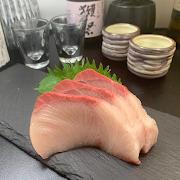 503 Hamachi Sashimi (Yellowtail)