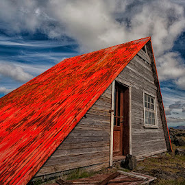 Red roof by Þorsteinn H. Ingibergsson - Buildings & Architecture Decaying & Abandoned ( clouds, cabin, iceland, red, sky, structor, landscape, abandoned )