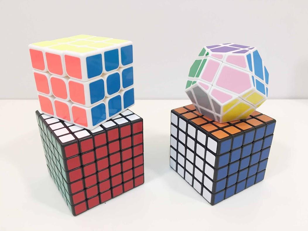 ルービックキューブ4個