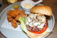 癡漢堡Chikan Burger