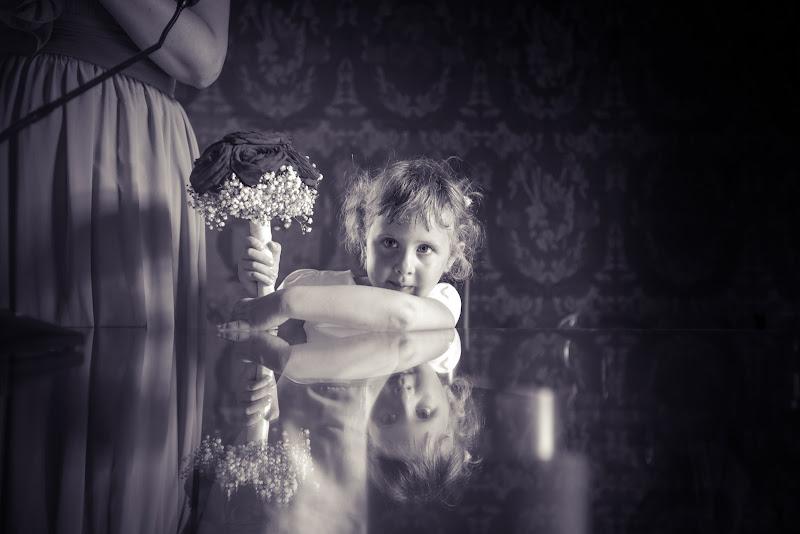 Bambina con fiori - Federico Zandomenighi  di simona_cancelli