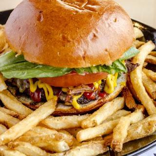 Copycat Red Robin's Classic Hamburger.