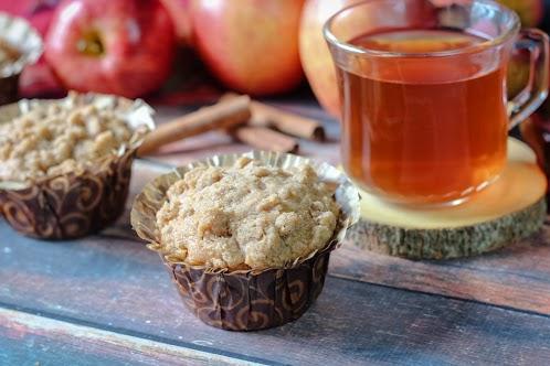 Apple Crumb Muffins