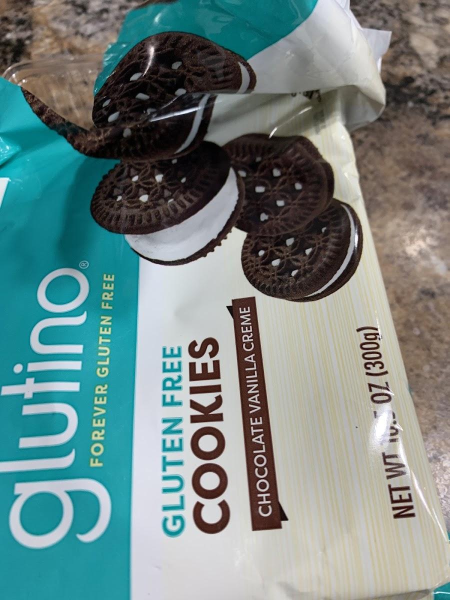 Chocolate Vanilla Creme Cookies
