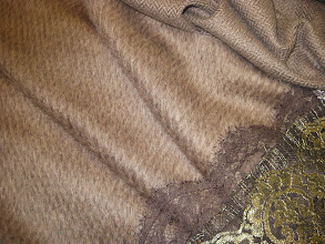 Photo: Ткань :Альпака стриженная ш.150см.цена 8000руб.                                            Коллекция Armani                                  Ткань :Кашемир жаккардовый ш.140см.цена 6000руб.                                 Коллекция Armani                          Кружево 0,25см.цена 1800руб.                       Коллекция D@G
