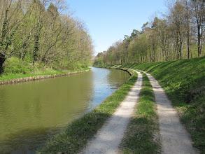 Photo: Day 24 - A Much Better Towpath (Canal de la Marne ou Rhin)