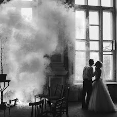 Wedding photographer Mikhail Galaburdin (MbILLIA). Photo of 02.04.2016