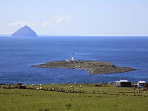 Photo: Pladda Island et Ailsa Craig