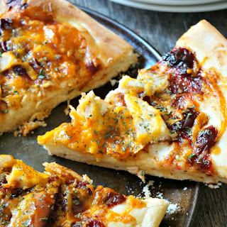 Cranberry Chipotle BBQ Chicken Pizza #SundaySupper
