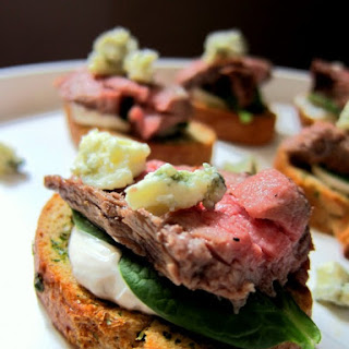 Beef and Gorgonzola Toasts with Herb Garlic Cream