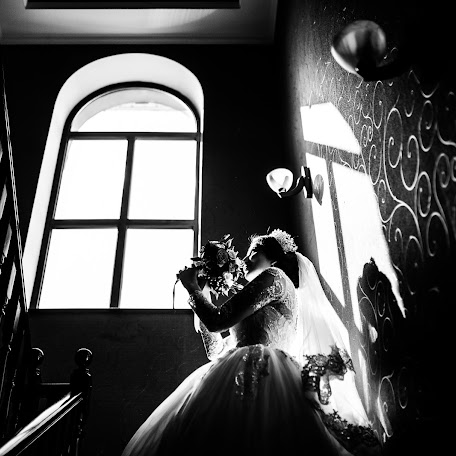 Wedding photographer Petr Fomin (FominProtas). Photo of 19.02.2018