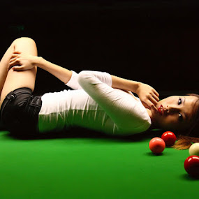 Sexy Lady & Snooker by Alex Teng - People Portraits of Women