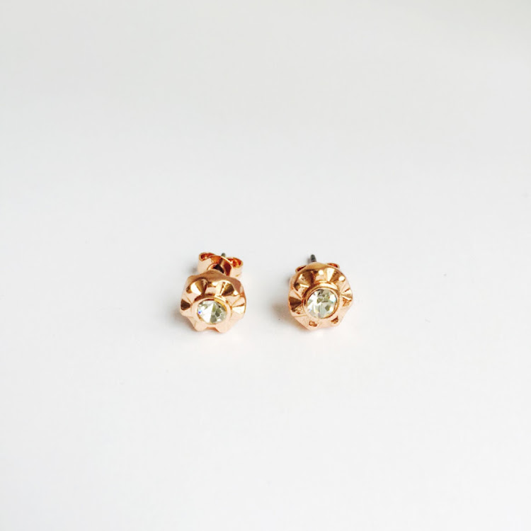 E003_RG - RG. Sunburst Crystal Stud Earrings
