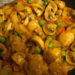 Mushroom Mutter (mushroom & green pea curry)