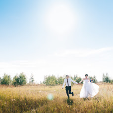Wedding photographer Sergey Fursov (fursovfamily). Photo of 06.08.2017