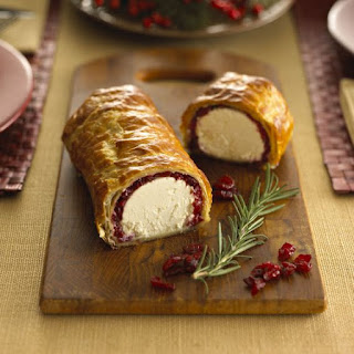 Baked Goat Cheese En Croute