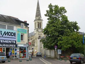 Photo: Un coin de la place Charles de Gaulle et l'Eglise St-Nicolas