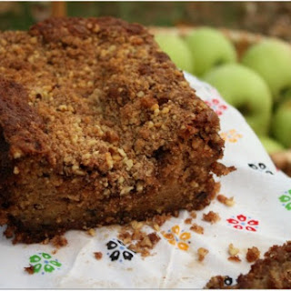 Apple Walnut Bread w/ Sugar-Cinnamon Topping