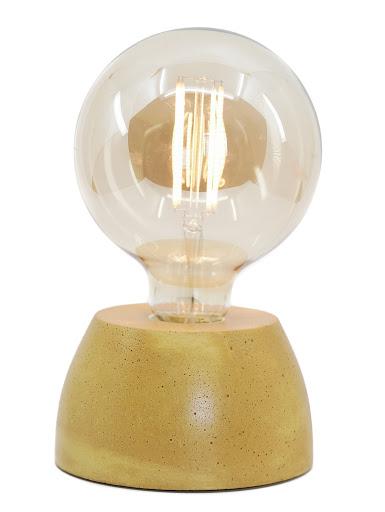 Lampe béton couleur jaune moutarde création fait-main atelier français de la marque Junny
