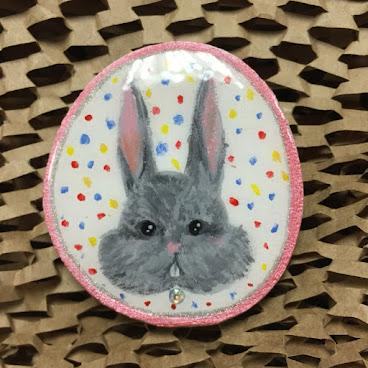 手繪木牌兔星人襟針