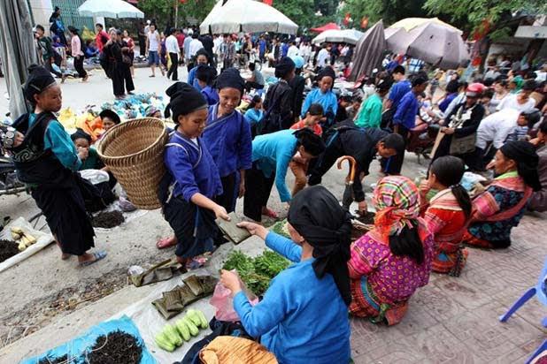 Hoang Su Phi ethnic market