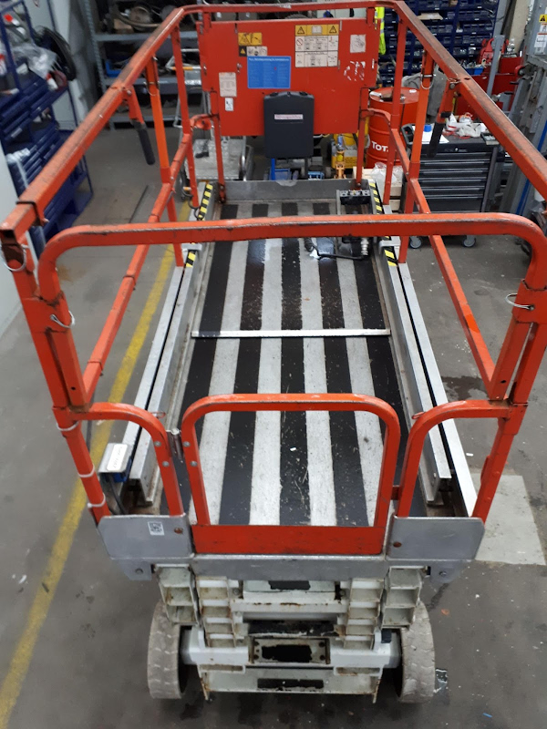 Picture of a JLG 3246ES