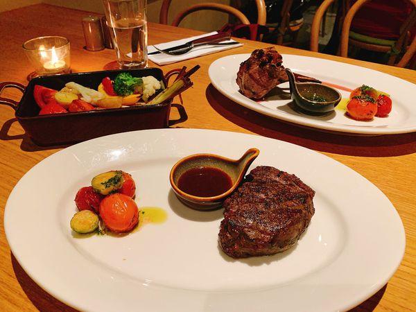 que原木燒烤餐廳 松山意舍酒店17F,吉拉多生蠔、香煎明蝦還有超嫩羊排!小週末就來個眺望夜景的約會吧