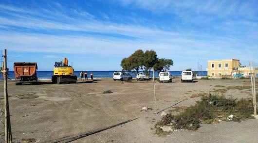 Llegan las primeras máquinas para retomar las obras del paseo marítimo