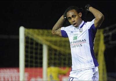 Kanu demande à Anderlecht de le faire revenir