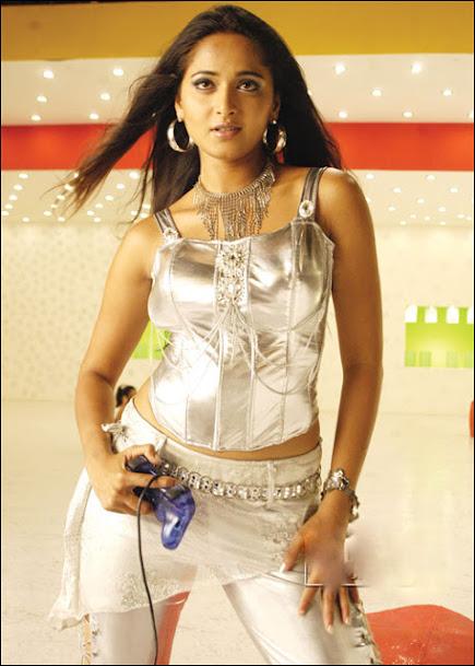 Anushka Shetty Hot Stills From Vikramarkudu