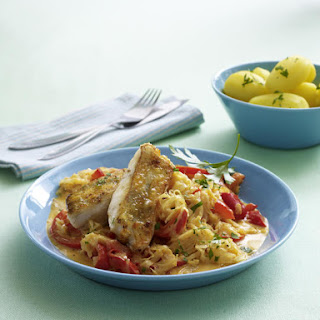 Perch Fillets with Sauerkraut, Pepper and Cream