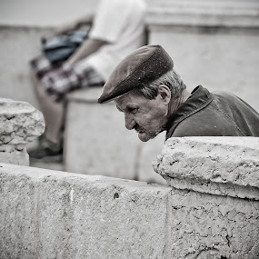 What have fallen??? by Carlos Cardoso - People Portraits of Men ( old, what, fallen, lisbon, man )