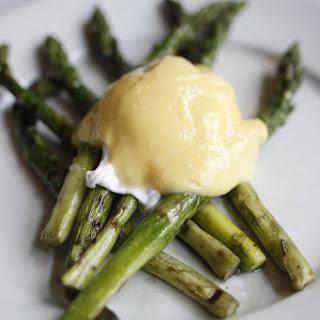 Classic Asparagus, Poached Eggs and Hollandaise Recipe