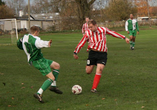 Photo: 28/11/09 v Norwich CEYMS (Anglian Comb Div 2) 0-2 contributed by Martin Wray