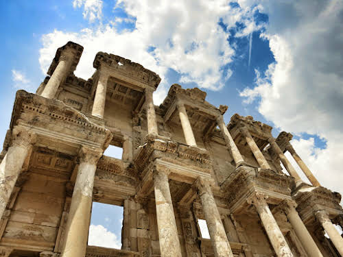 Classic Turkey Itinerary 10 Days: Istanbul, Ephesus, Pamukkale, and Cappadocia // Ephesus Library of Celcus