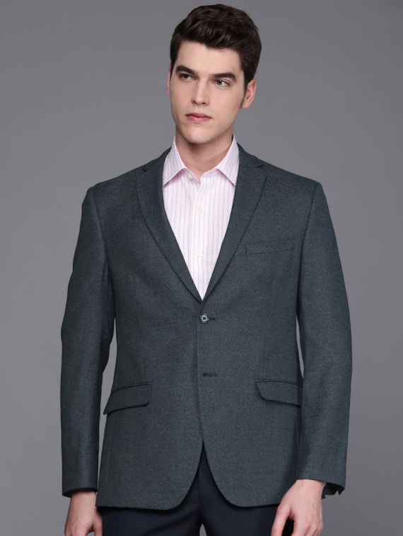 must-haves-for-winter-wardrobe_casual_blazer