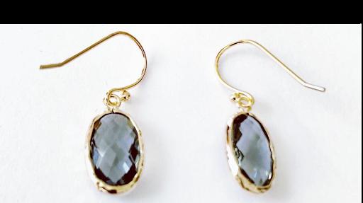 Boucles d'oreilles pierres fines cristal oval gris