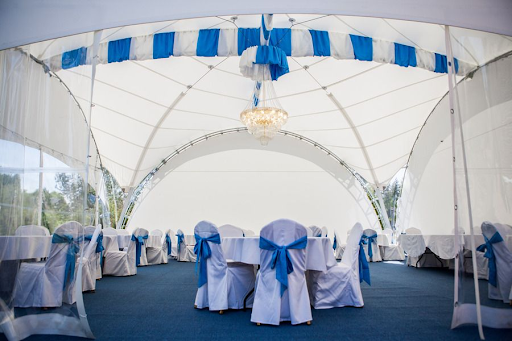 Зал для свадьбы в Грасс Парк за городом в Подмосковье