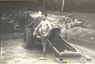 Photo: Dez 1968 - Furriel Lopes - Obús 8,8 em descanso - Chimbete - Mata do Maiombe - Cabinda - Angola