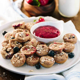 Baked Oatmeal Pancake Dippers with Berries