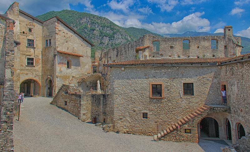 Ruderi di castello medievale di marvig51