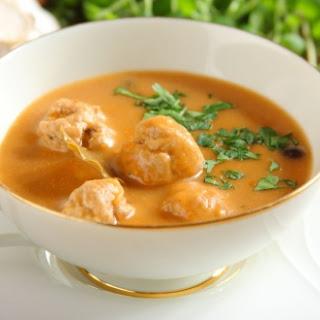 Pilzsuppe mit Fleischbällchen