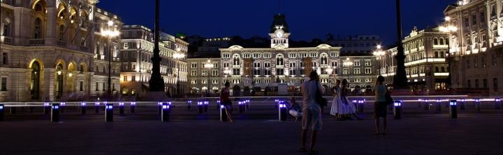 In piazza Unità di notte di francyb85