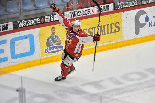 Otto Karvinen satte viktiga 3-1 i andra perioden. (Foto: Samppa Toivonen)