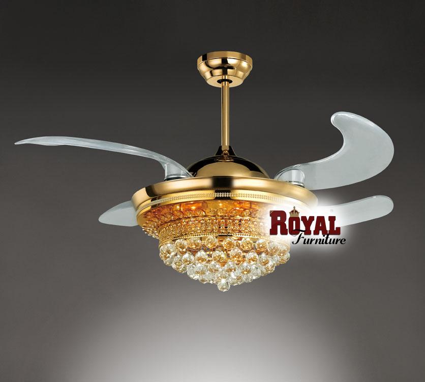 Quạt trần đèn chùm pha lê thích hợp với phòng khách được thiết kế theo phong cách hiện đại