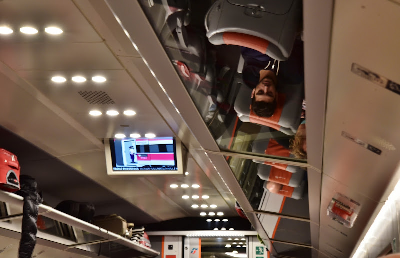 Viaggiatori in-vano ... (bagagli) di Ilaria Bertini